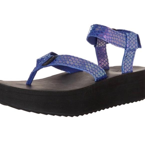 04b728f1694 Teva Blue Iridescent Flatform Sandals Women s 8